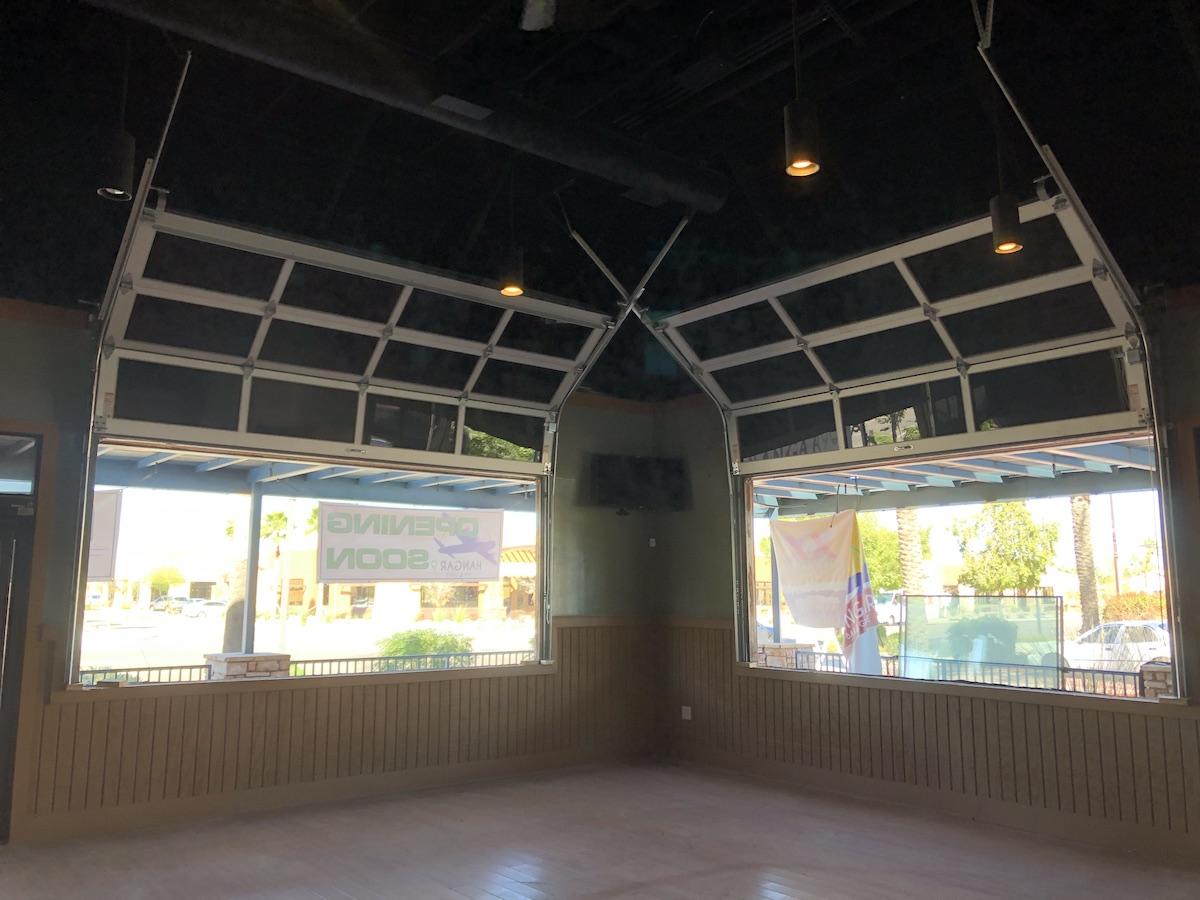 restaurant_full_view_gargae_doors_az